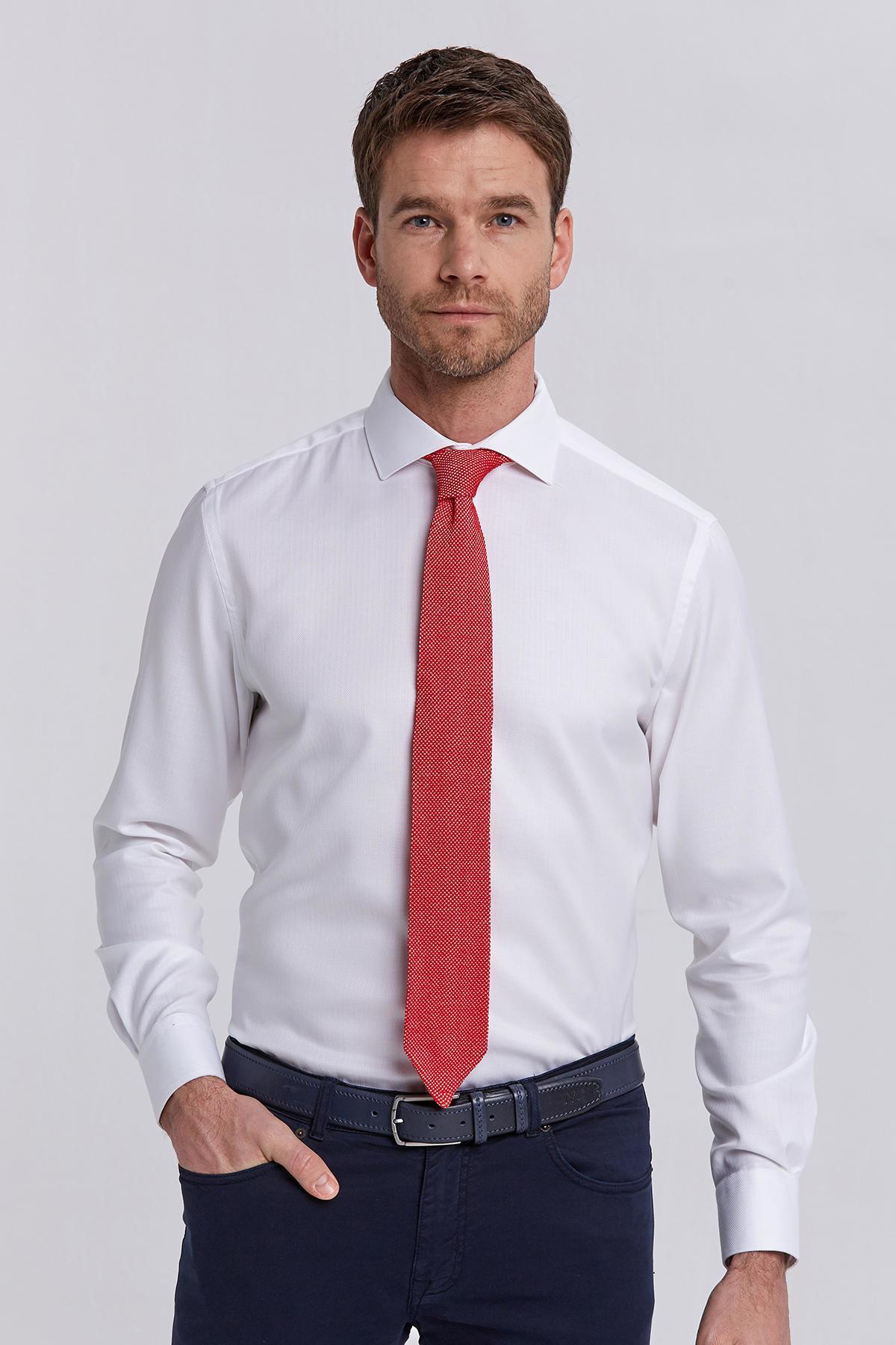 Beyaz Balıksırtı Doku Non-Iron Business Gömlek