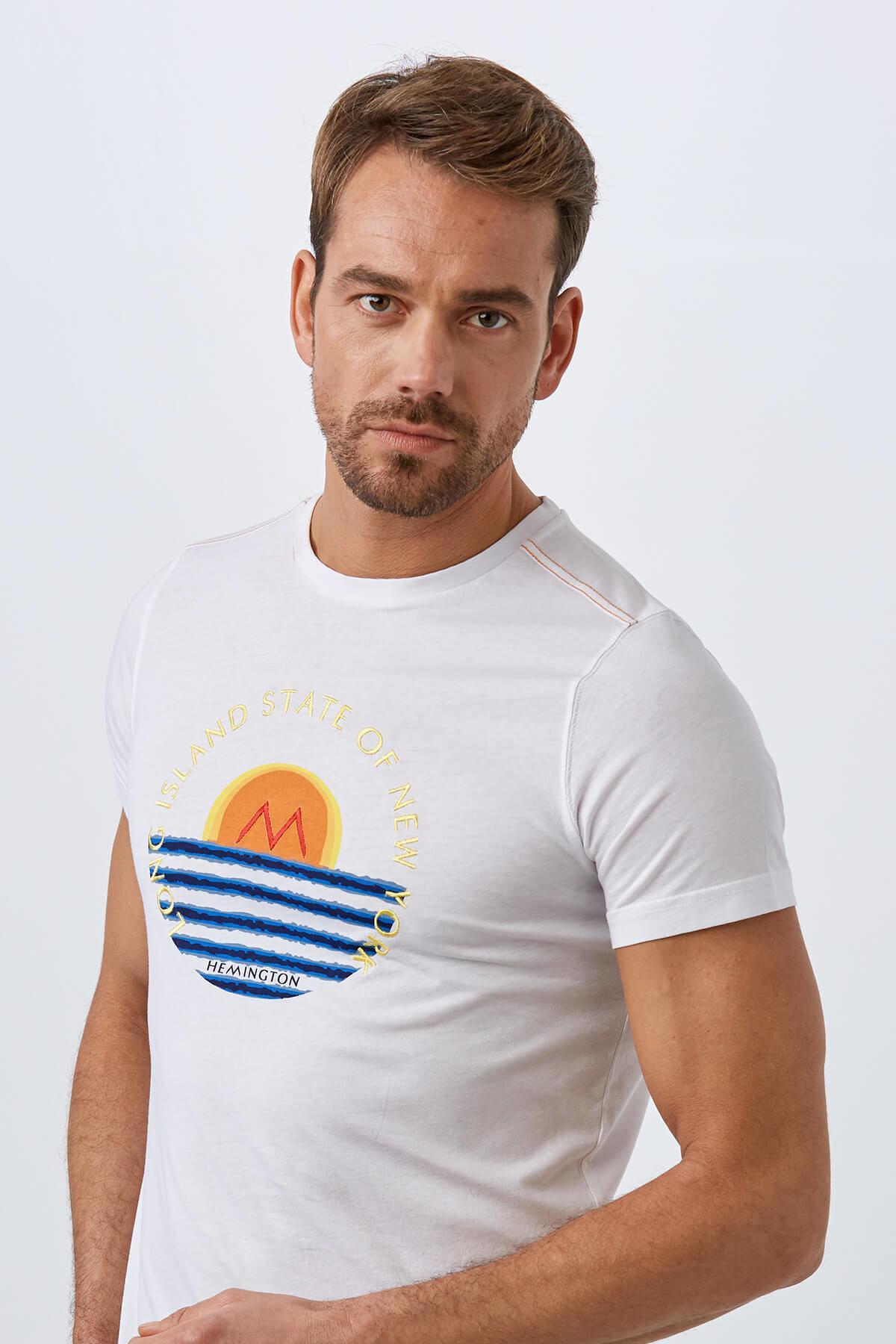 Beyaz Desenli Bisiklet Yaka T-Shirt