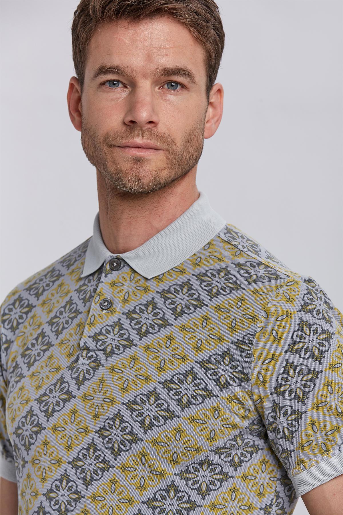 Çiçek Desenli Pike Örgü Gri Polo Yaka T-shirt