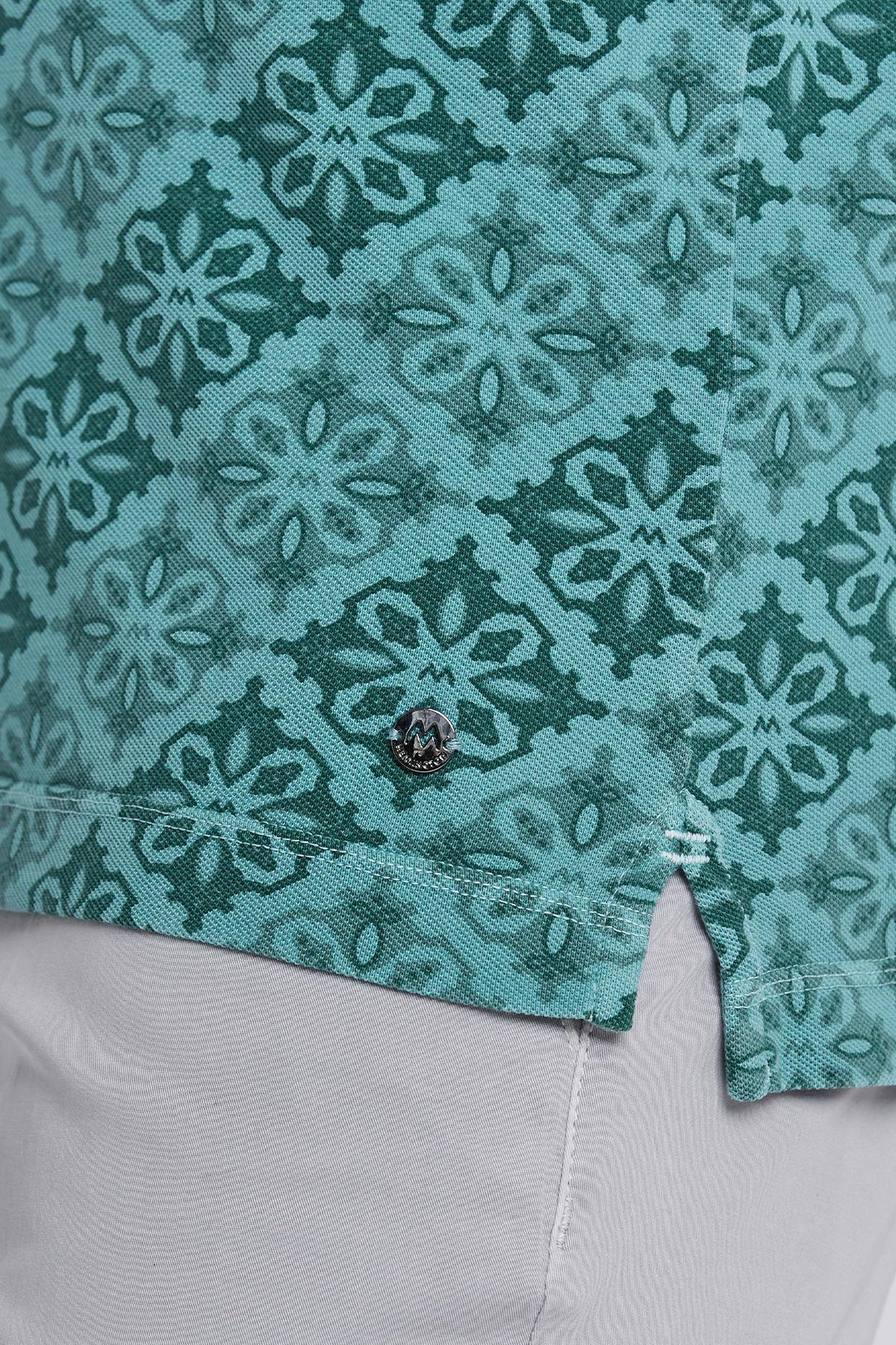 Çiçek Desenli Pike Örgü Yeşil Polo Yaka T-shirt