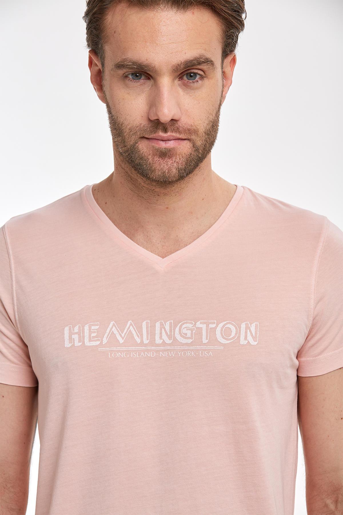 Hemington Baskılı Pembe V-Yaka T-shirt