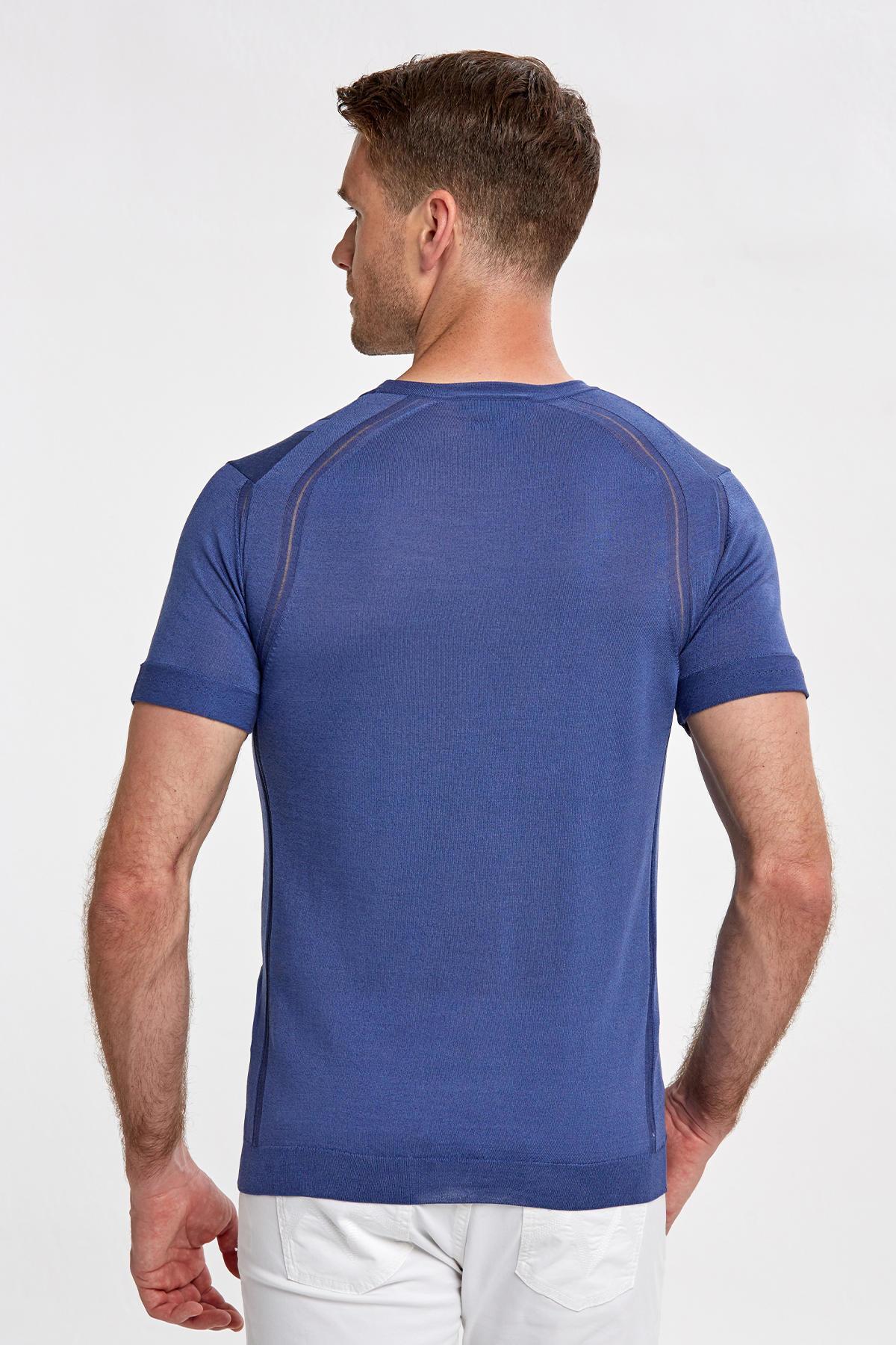 İpek Karışımlı Desenli İndigo Triko T-Shirt