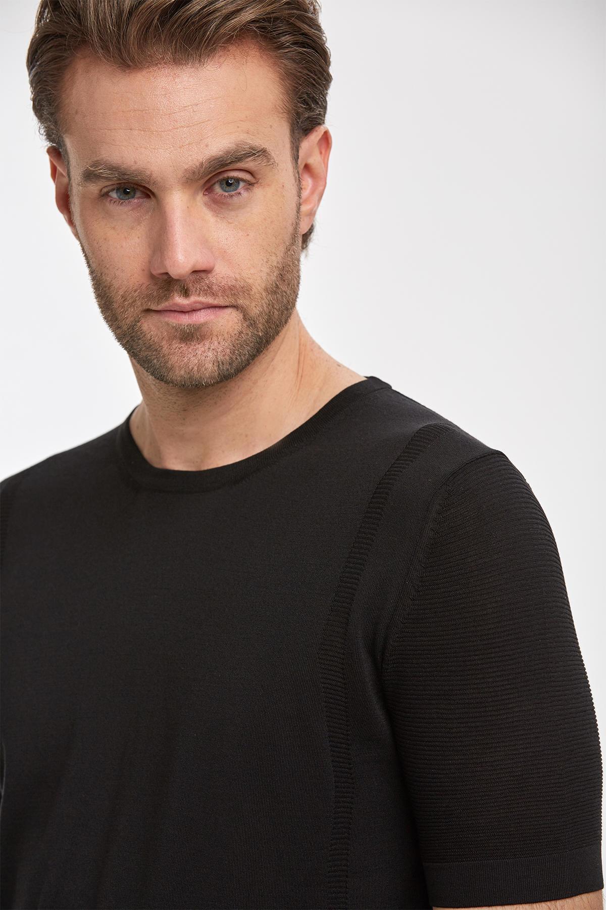 Siyah İpek Triko T-Shirt