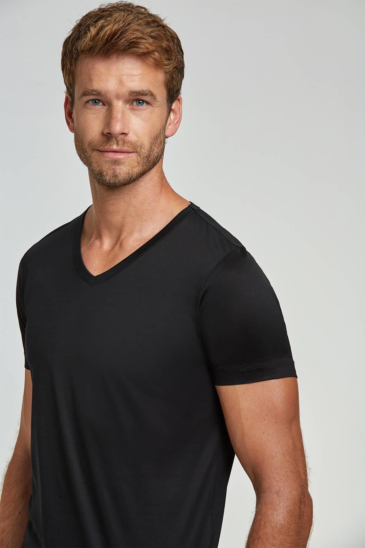 V Yaka Siyah Basic T-Shirt