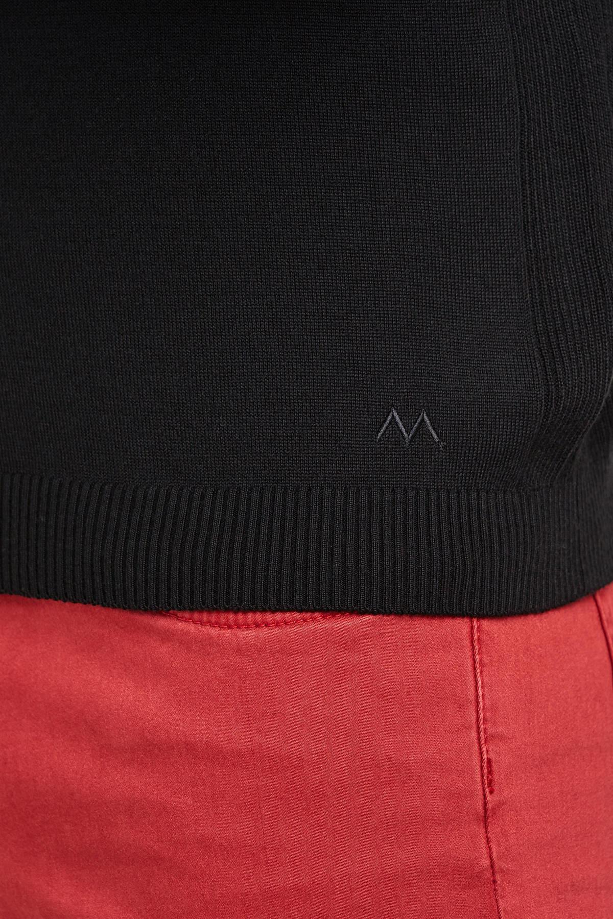 V Yaka Merino Yün Siyah Activewear Triko