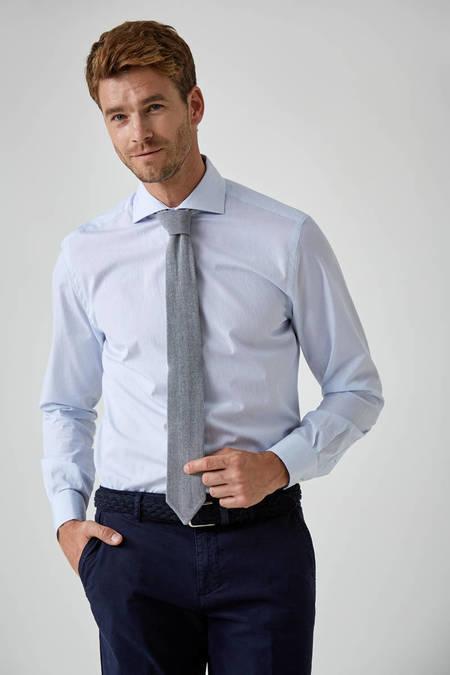 Mavi Beyaz İnce Çizgili Business Gömlek